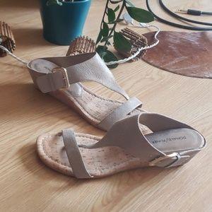 Donald J Pliner Dylan cork wedge sandals nwob
